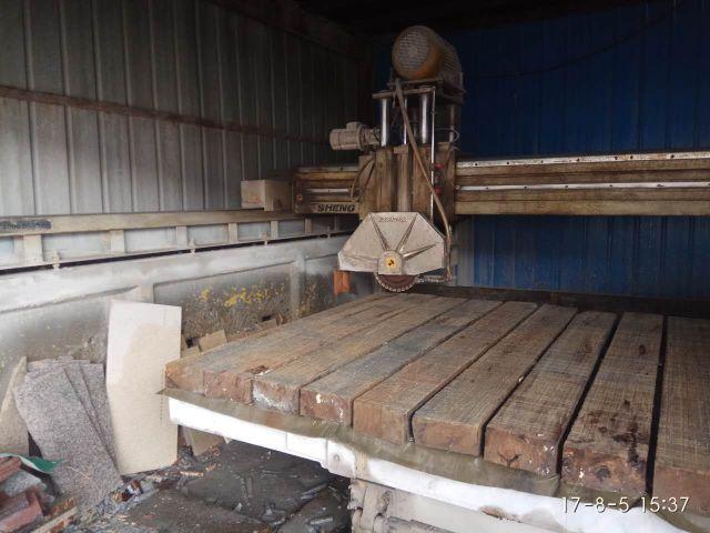 公司转让红外线切机 手摇切机 磨边机 两吨单臂等石材加工机械设备