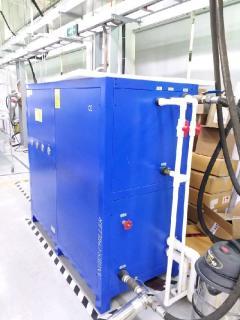 工厂倒闭处理7套工业冷冻机组