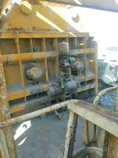 市政工厂急转2套混凝土搅拌站 100吨水泥罐6个 200吨水泥罐10个等
