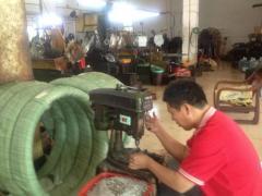 自动车床厂螺丝厂整厂转让自动车床14台 螺丝机打头机 搓牙机8台 桌上车床数台 螺丝成品库存几十吨 以及车床夹头大量 螺丝机主模具等一批设备